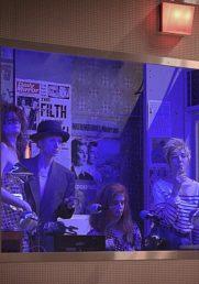 Critique du spectacle LES ONDES MAGNETIQUES -  De et mise en scene : David LESCOT -  Scenographie : Alwyne de DARDEL -  Costumes : Mariane DELAYRE -  Lumieres : Paul BEAUREILLES -  Avec :  Sylvia BERGE -  Elsa LEPOIVRE -  Jennifer DECKER -  Claire de La RUE DU CAN -  Au Theatre du Vieux Colombier -  Le 15 05 2018 -  Photo : Vincent PONTET