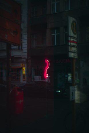 photo de Paul Volkmer pour illustrer le poème de Le Kouddar pour la ée scène virtuelle du chat noir