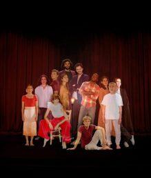 LA VEILLEUSE Cabaret holographique sur Criticomique.com